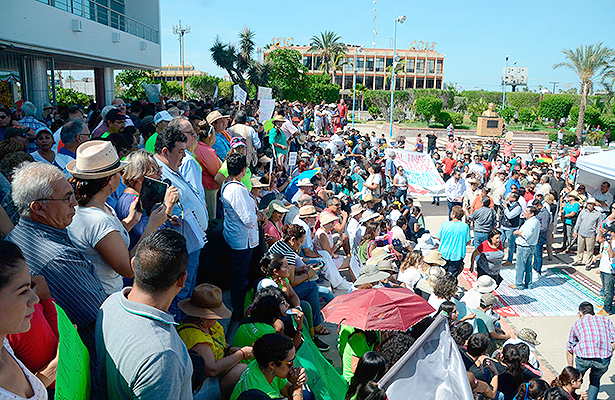 Protestan contra empresas mineras (Baja California Sur)