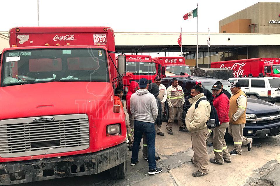 Desconocen trabajadores de Coca-Cola en Matamoros si están despedidos o no (Tamaulipas)
