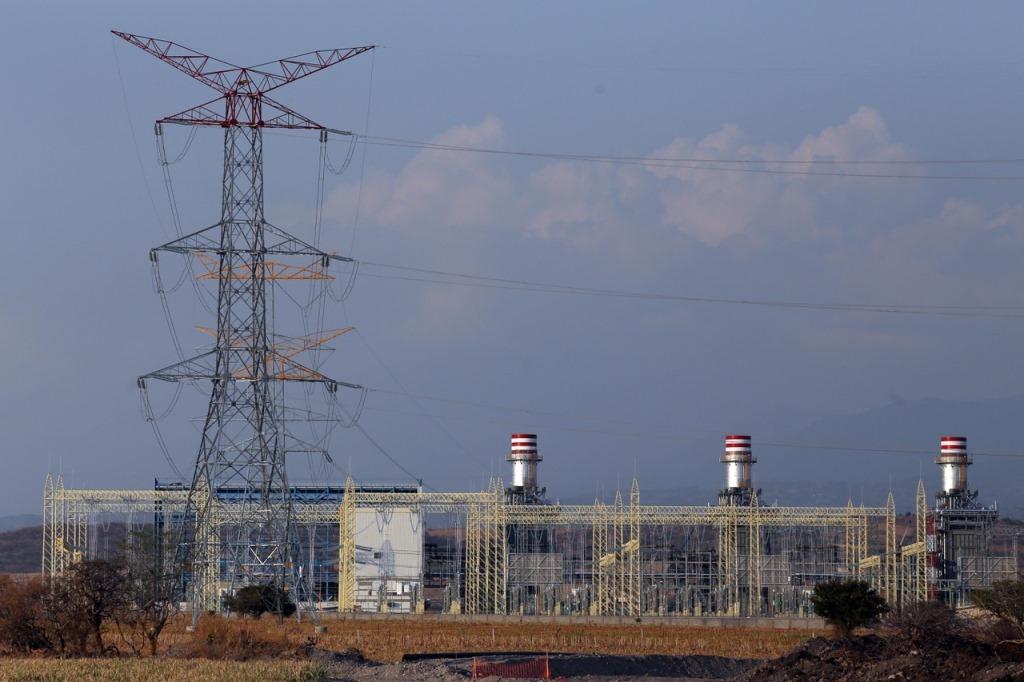 Ejidatarios mantienen cinco amparos contra operación de la termoeléctrica de Huexca