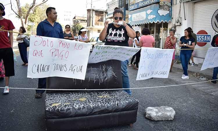Vecinos de dos colonias de Chilpancingo bloquean calles en exigencia de agua (Guerrero)