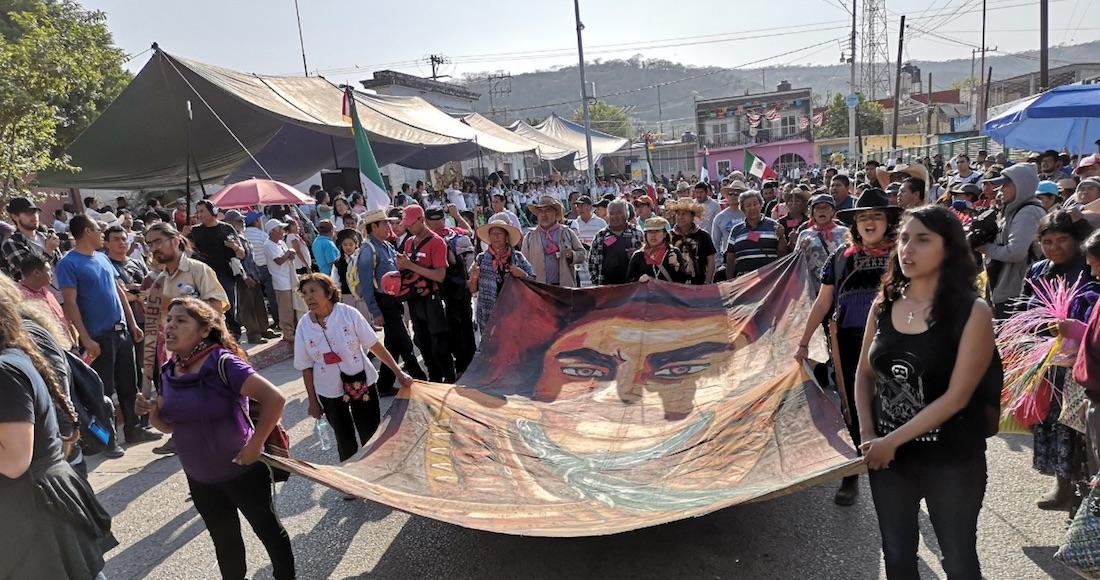 """Grupos campesinos protestan en la tierra de Emiliano Zapata por proyectos de """"despojo"""" de AMLO"""