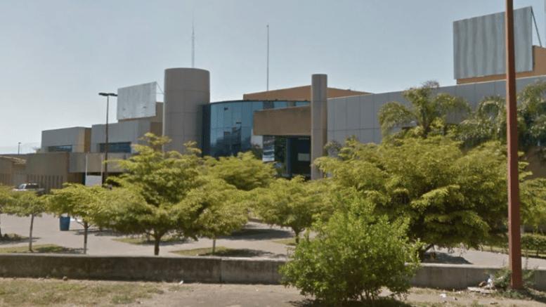 Suplentes hacen paro laboral en el Hospital Regional (Colima)
