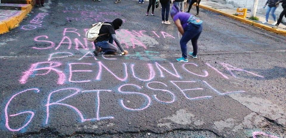 Colectivas toman oficinas de CNDH en Ecatepec y protestan en instalaciones de otros 3 estados