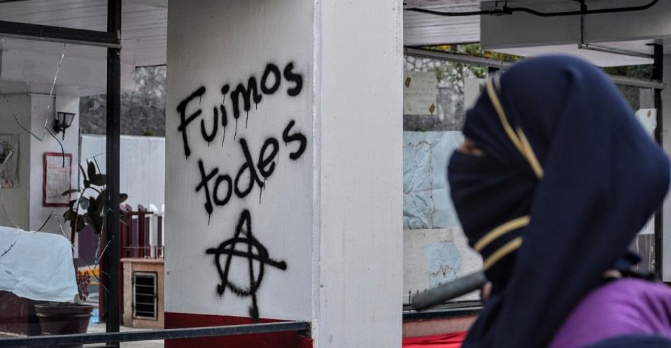 Toman por algunas horas CECyT 4 del IPN para denunciar casos de violencia y acoso sexual (Ciudad de México)