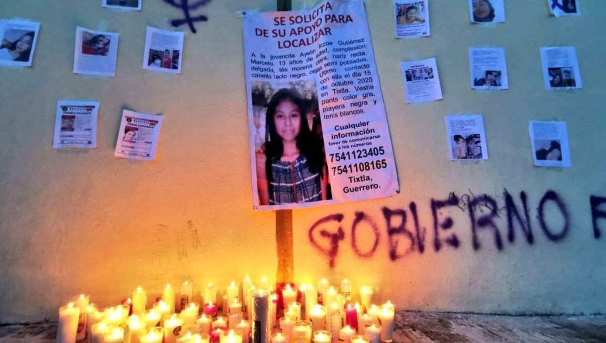 Familiares y amigos sepultaron esta tarde el cuerpo de Ayelín, entre gritos de justicia, de indignación y lágrimas (Guerrero)