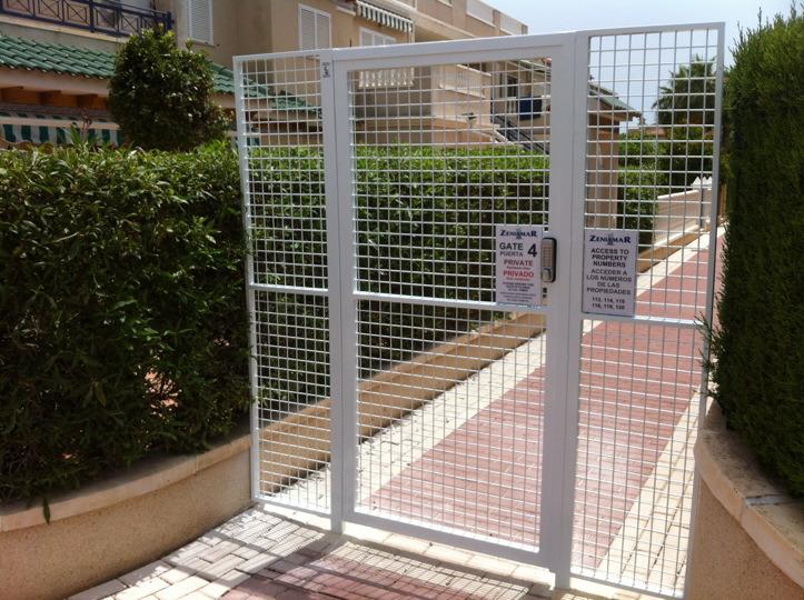 Community swimming pool security costa blanca gates - Swimming pool repairs costa blanca ...