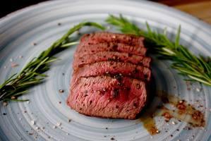 Steak grillen auf dem Gasgrill