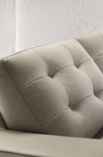 Malaga Loft unisce un design casual all'artigianalità delle lavorazioni sulla spalliera, per un relax senza compromessi.