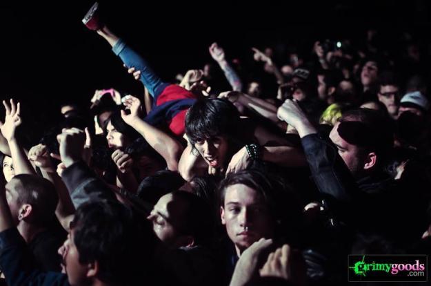Los Angeles concert crowd photos