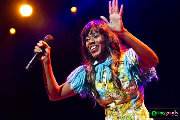 SantiGold photos
