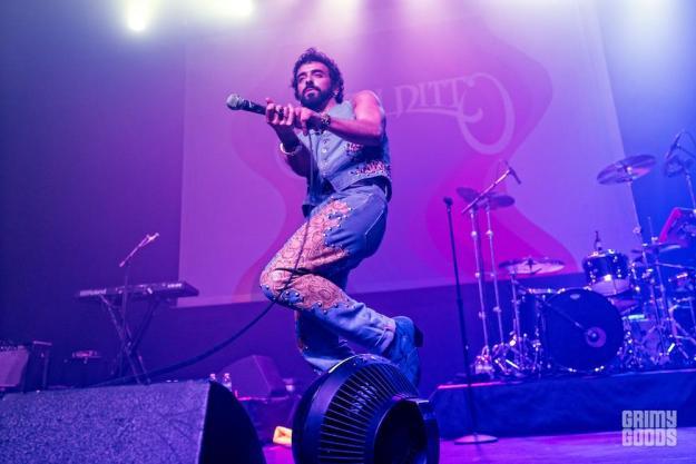 Ssion at Fonda Theatre -- Photo: David Fisch