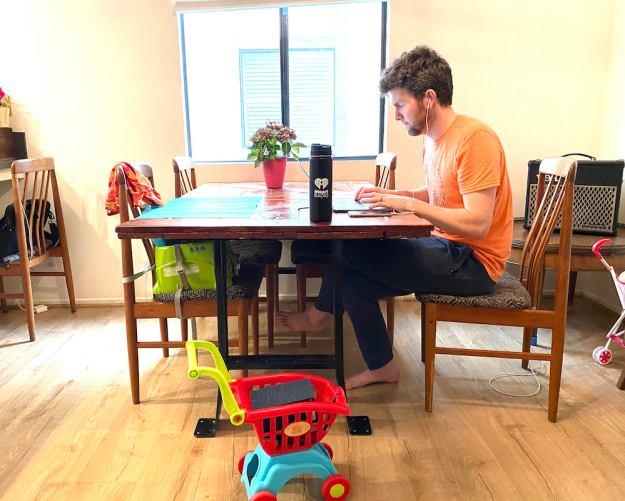 working from home kitchen corona virus