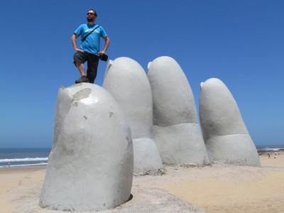 Conquering a Giant Hand, Punta del Este