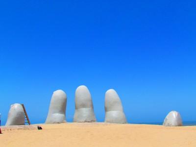 A Giant Hand, Punta del Este