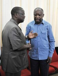 Laurent Gbagbo avec le ministre de la justice Jeannot Kouadio