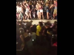 Railing-Collapse-At-Snoop-Dogg-and-Wiz-Khalifa-Concert-In-Camden-New-Jersey-VIDEO