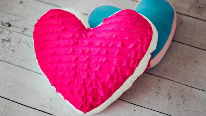 kalp-yastık-youtube