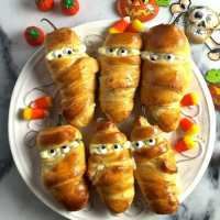 Easy Halloween Jalapeño Mummies