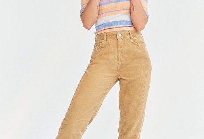 2017 Urban Outfitter Mom Jean
