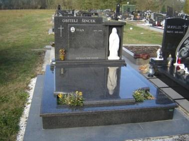 Nadgrobni spomenici (111)