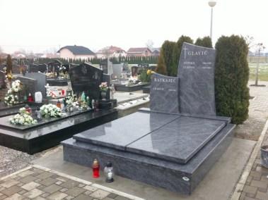 Nadgrobni spomenici (13)