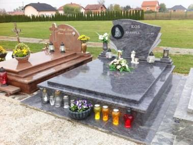 Nadgrobni spomenici (17)