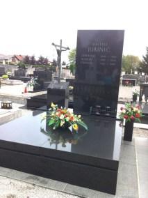 Nadgrobni spomenici (4)