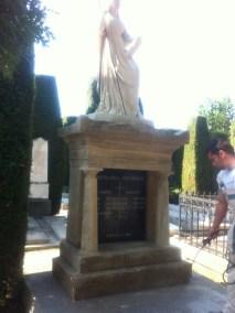 Nadgrobni spomenici (48)