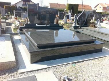 Nadgrobni spomenici (5)