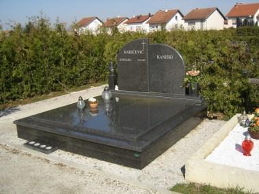 Nadgrobni spomenici (57)