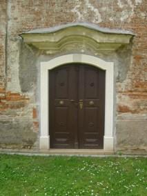 Sakralni objekti - kameni okviri prozora, portala i kuteva (7)