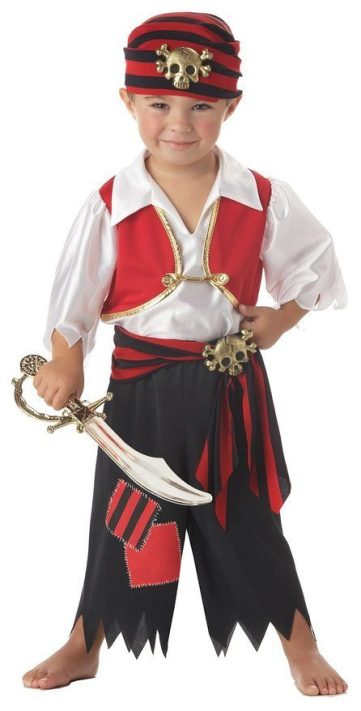 13 Halloween Costumes For The Whole Family Under $15!