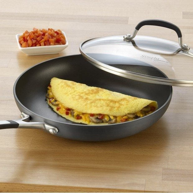 Simply Calphalon Nonstick 10-Inch Covered Omelette Pan Just $23.99! (reg. $60)