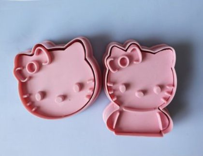 2-Piece Hello Kitty Cookie Cutters Only $2.49 SHIPPED!