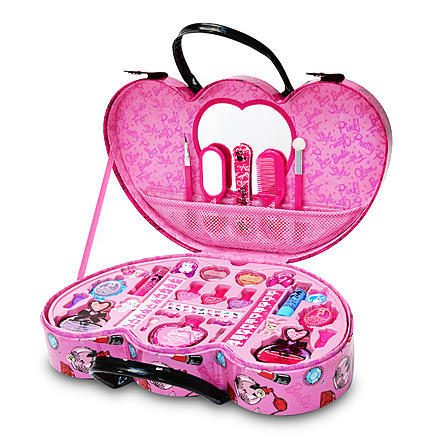Barbie Fashionista Case Just $16.99! Down From $29.99!