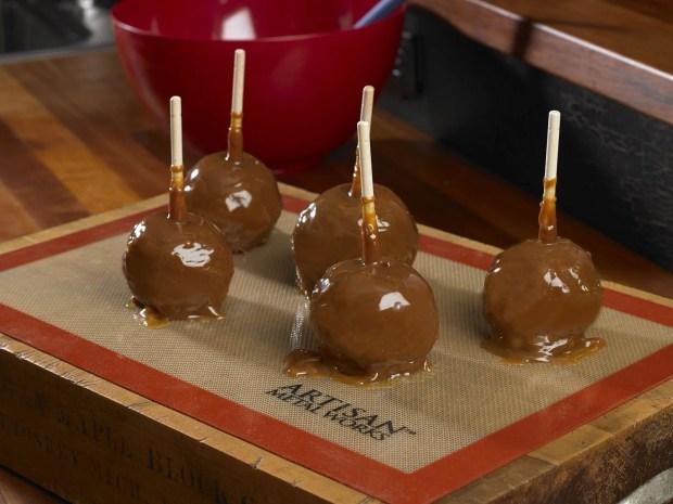 Artisan Non-Stick Silicone Baking Mat - 2 Pack Just $11.99!  (Reg. $17!)