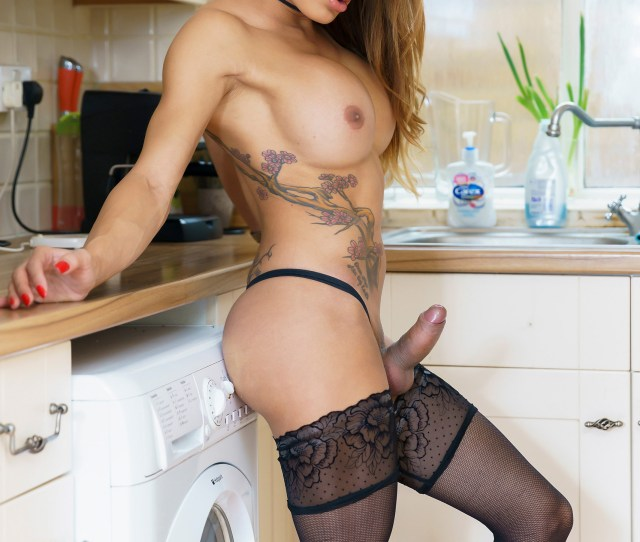 Vanessa Johns Sizzles In The Kitchen On Shemale Xxx
