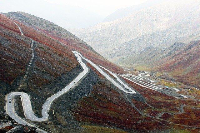 road-1663543_640