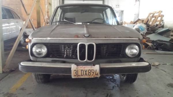 1974 BMW 2000 – $3600 (RACINE)