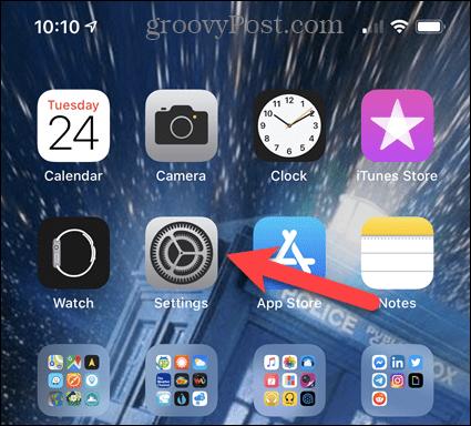 Нажмите «Настройки» на главном экране iPhone