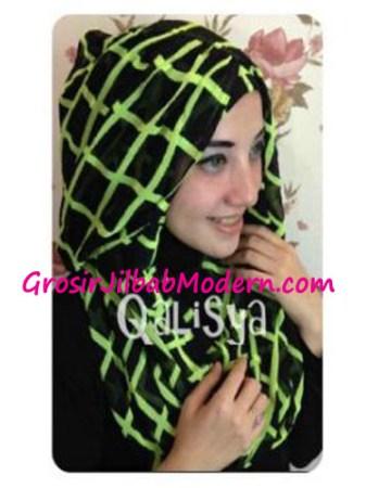 Jilbab Danica Hoodie Square Colour Hijau Stabilo
