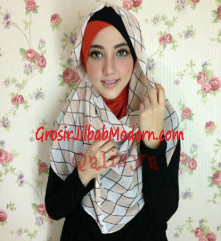 Jilbab Hoodie Instant Ileana Wajik No 1 Merah Bata