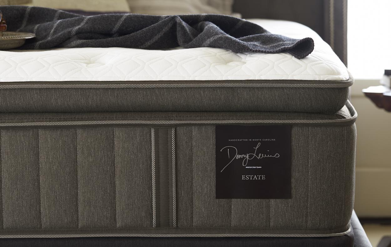 https www grossmanfurniture com blog 2019 03 28 the best pillow top mattresses 2019