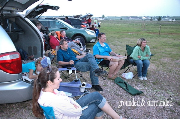 Drive in movie theaters are BACK in style and they aren't going away anytime soon. Here are 10 tips for making the most of your outdoor movie experience.
