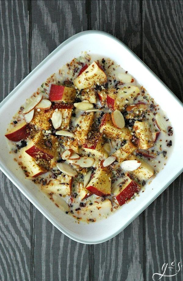 This clean eating little gem is perfect for breakfast, dessert, or a snack. You literally feel like you are eating cereal with the crunchy apples and seeds but it is completely healthy and flavorful! Use whatever nuts, seeds, or milk that you have on hand but be sure to measure so you don't over-indulge in the seeds or nuts. Grain-Free, Sugar-Free, & Paleo friendly. Brainy Breakfasts
