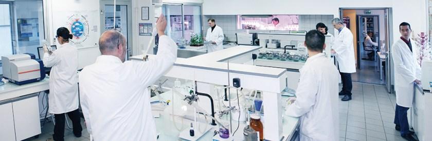 Centre de recherche Frayssinet avec laboratoire, salle de culture et échantillothèque