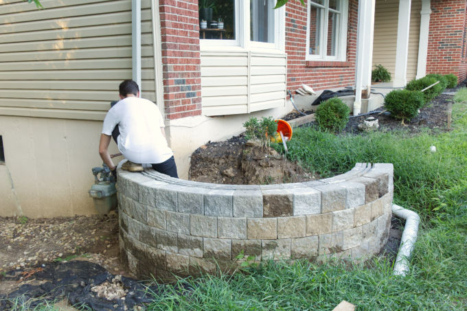 Versa-lok cobble stone DIY retaining wall