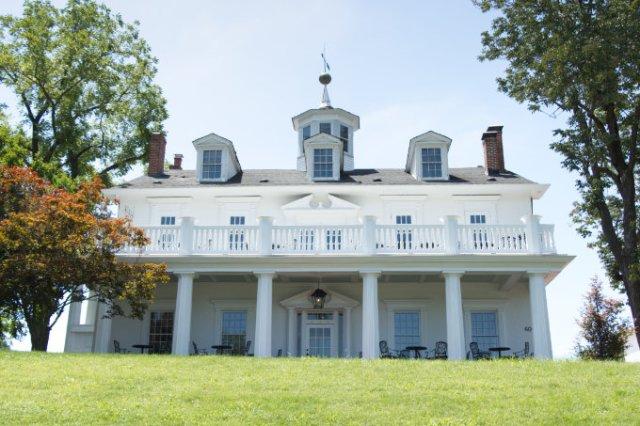 Washington, MO historic home colonial style white house