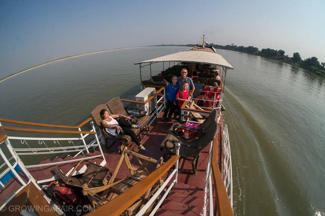 mandalay ferry