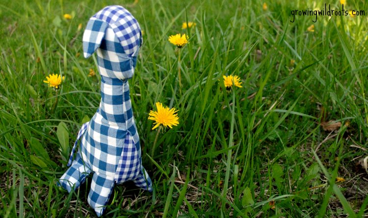 A Gingham Giraffe and The Plaid Peach Shop—A Review and Giveaway